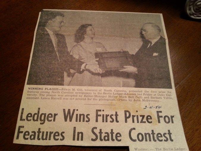 Mom wins press award